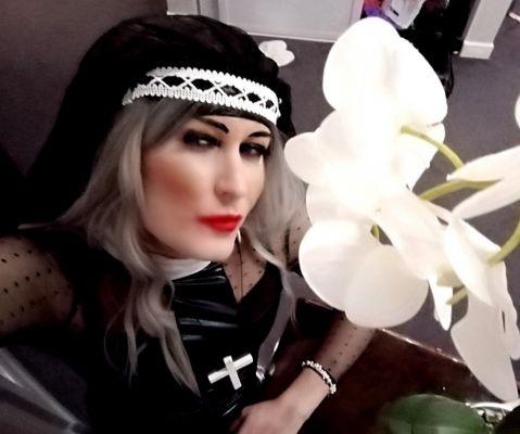 ТРАНССЕКСУАЛКА — проститутка студентка от 4000 руб. в час